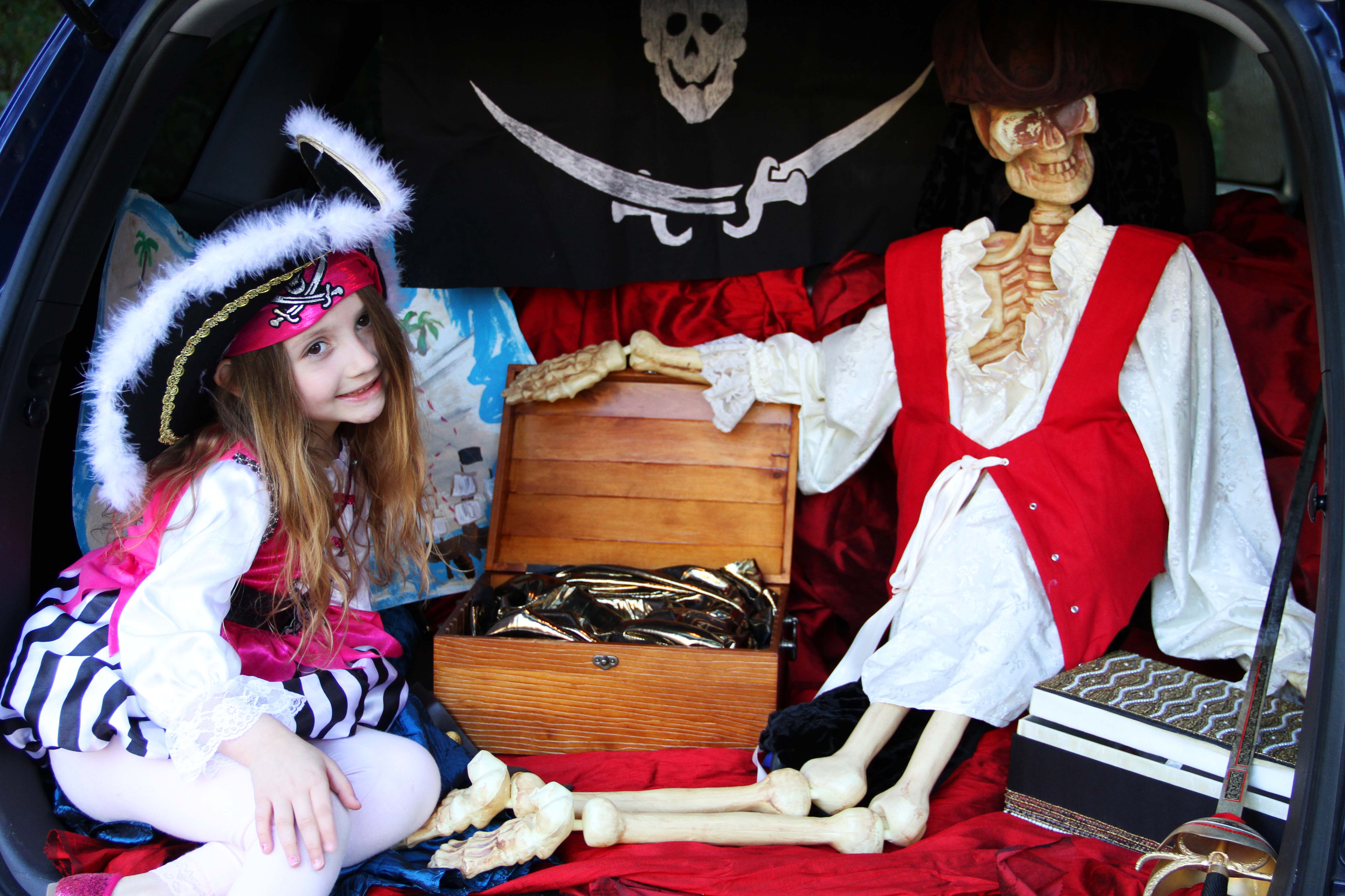 Pirate trunk 7