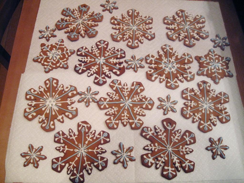 gingerbread snowflake ornaments 2
