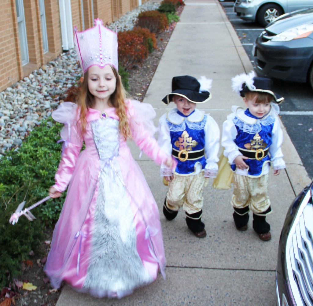 glinda and the two musketeers